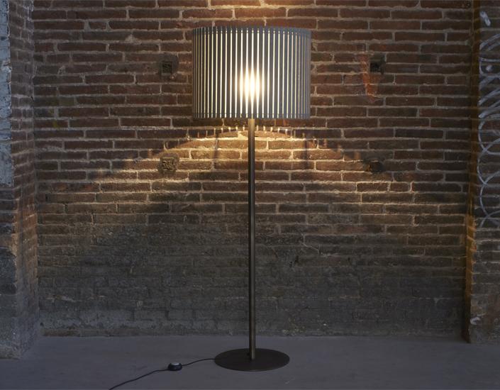 FAMBUENA – Luz Oculta Wood  Floor/ table lamp